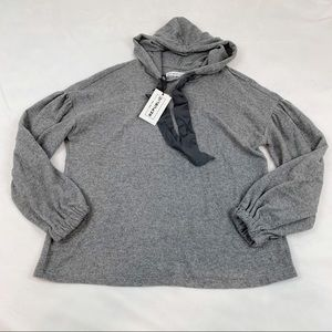 Hooded pullover sweater long sleeve heather gray